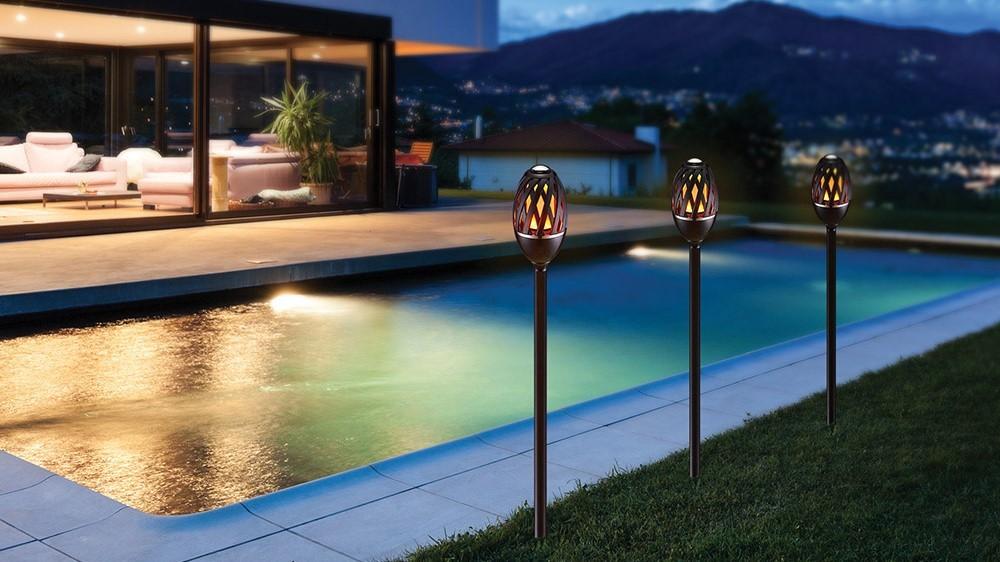 Lampe Helios flammelampe LED svart | Fladby Invest AS