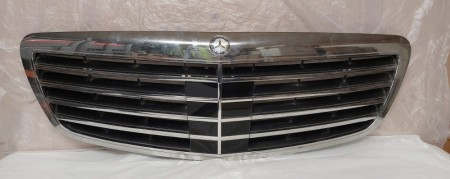 Grill W 221 for S-classe Distronic 221 880 02 83